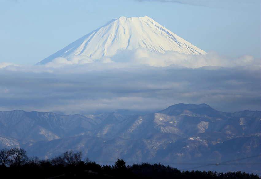 積雪の富士で不思議な現象