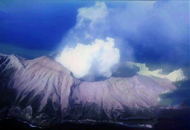 ニュージーランド 火山 噴火